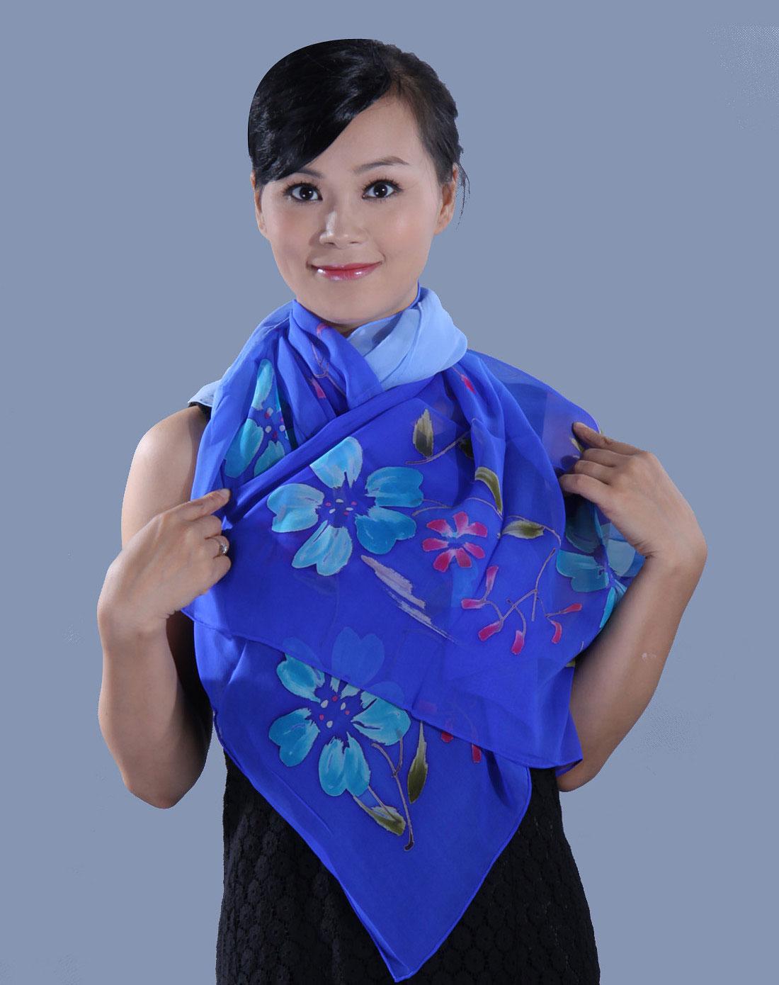 工作服长条丝巾的系法图解