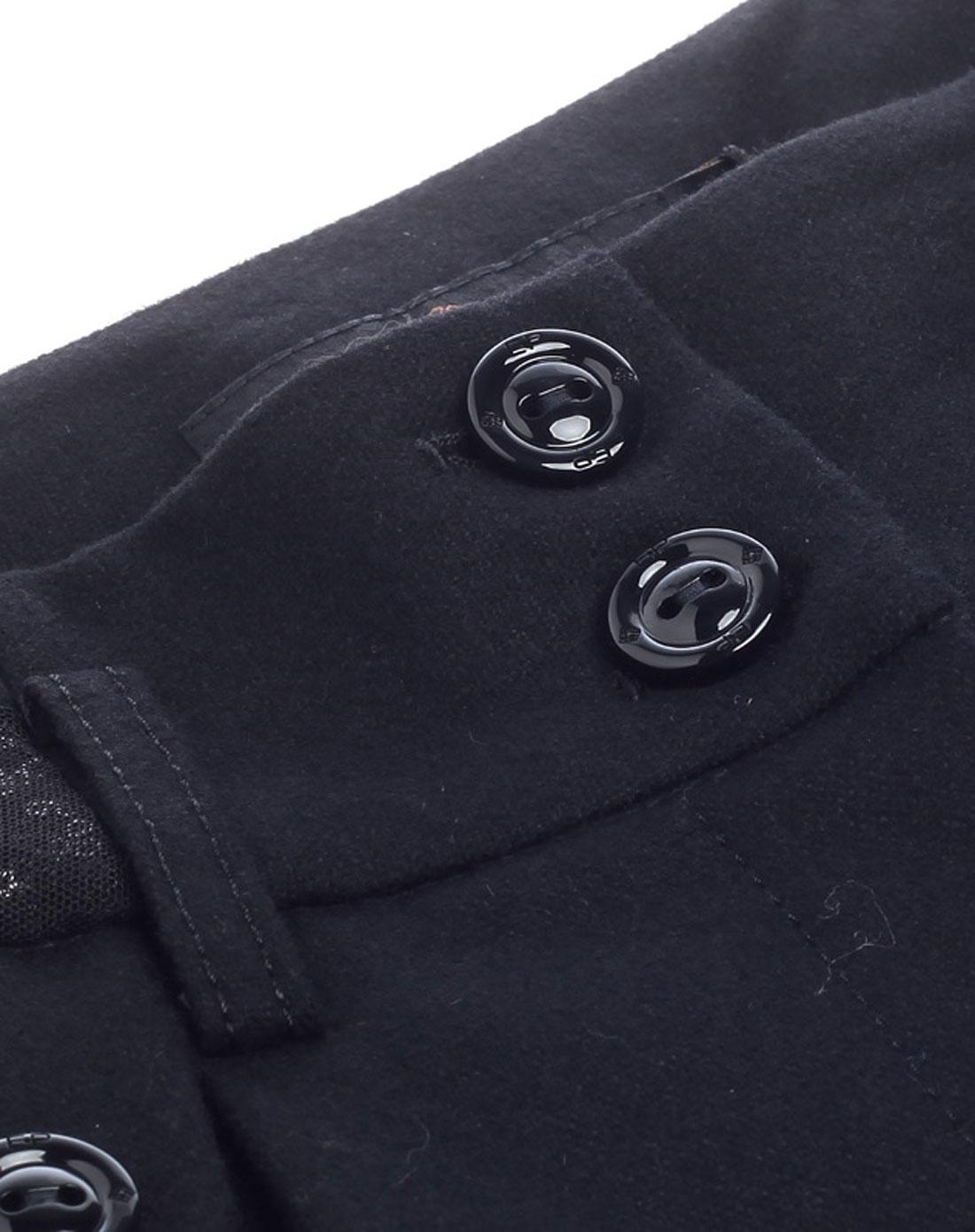 藏蓝色裤子搭配 黑色西服卡其色