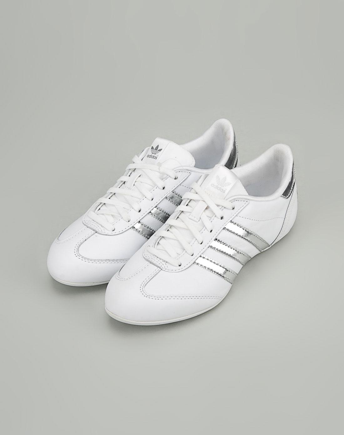 女款银/白色休闲鞋_阿迪达斯adidas-女装专场特价2-4