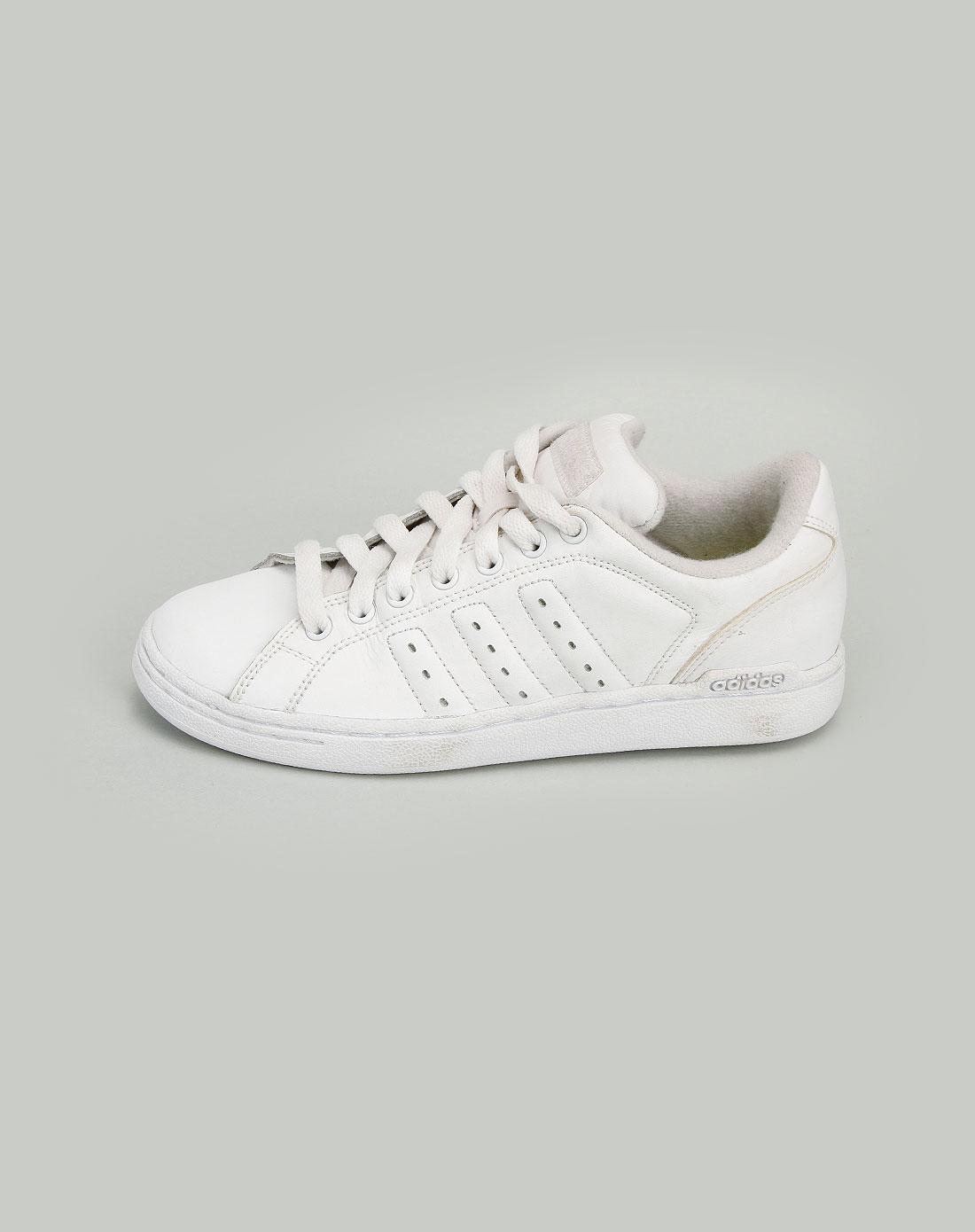 阿迪达斯adidas-女款白色板鞋