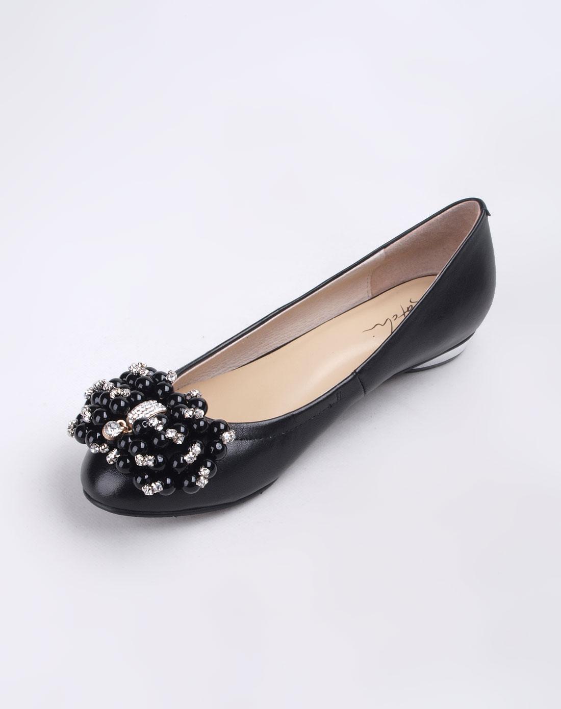 女款黑色鞋子
