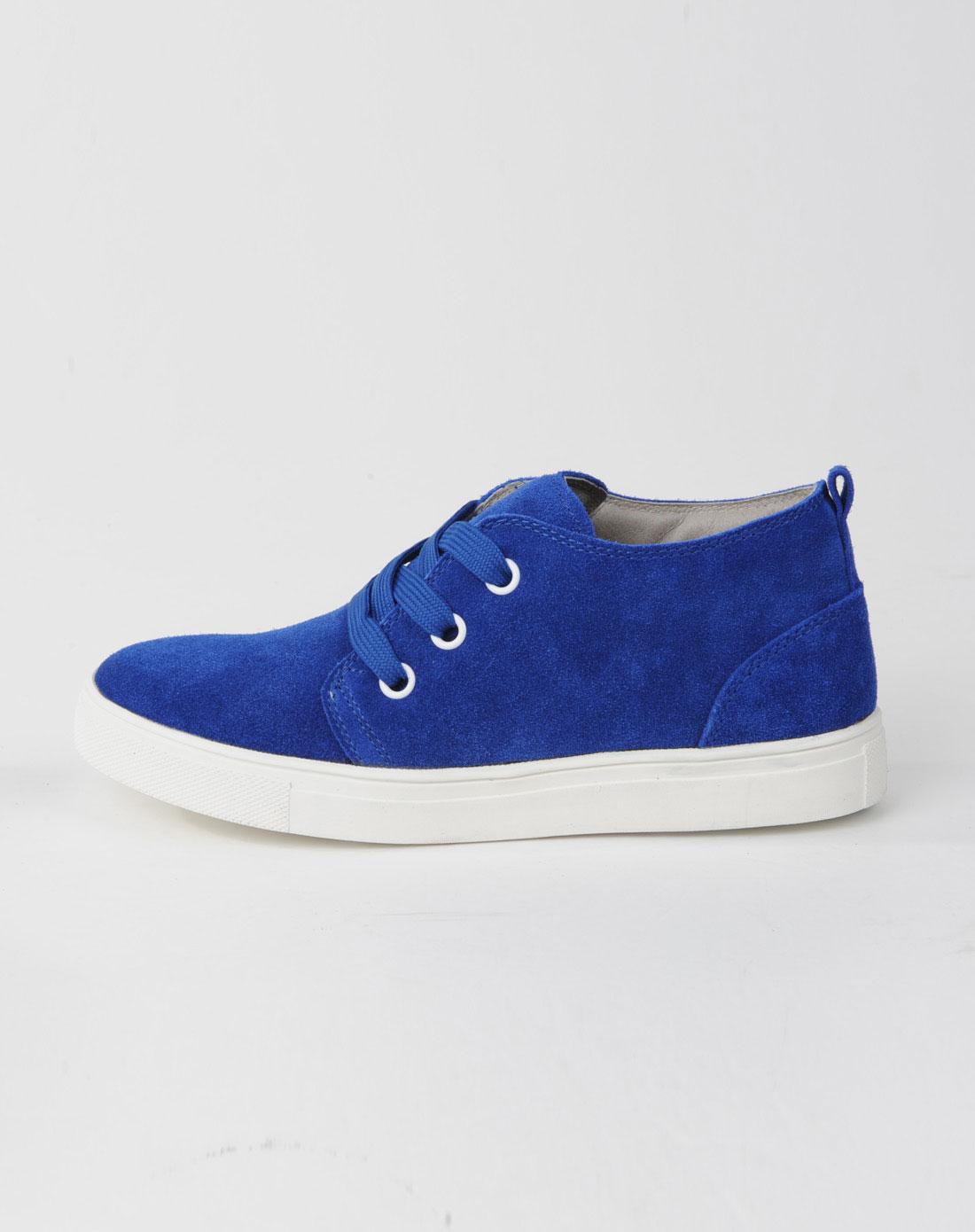 女款浅蓝色休闲鞋