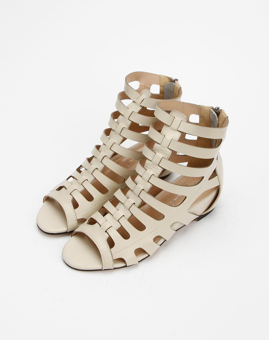 女款米白色前卫镂空鱼嘴凉鞋