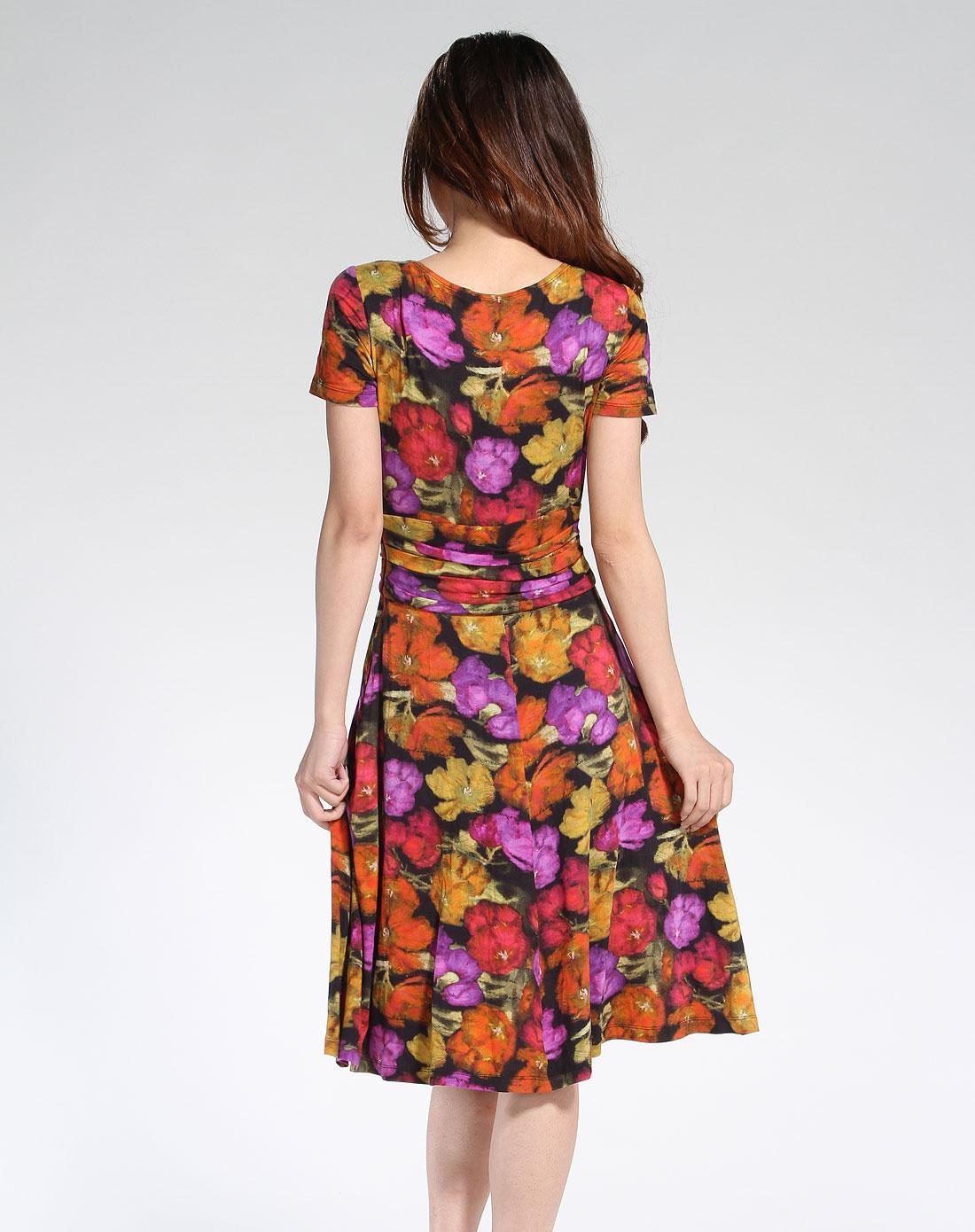 女款紫色花纹时尚连衣裙