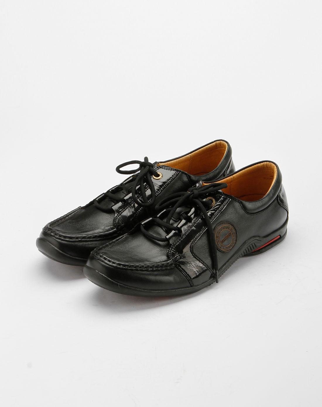 黑色时尚休闲皮鞋