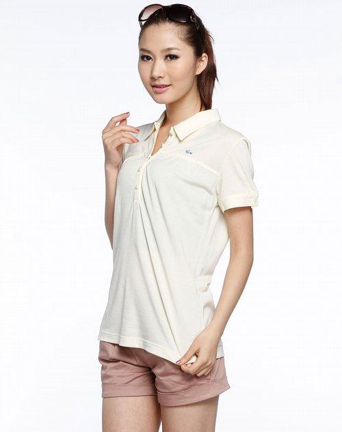 法国鳄鱼lacoste女款米黄色纽扣翻领短袖t恤图片