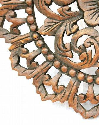 泰国芒果木圆形镂空雕刻摆件
