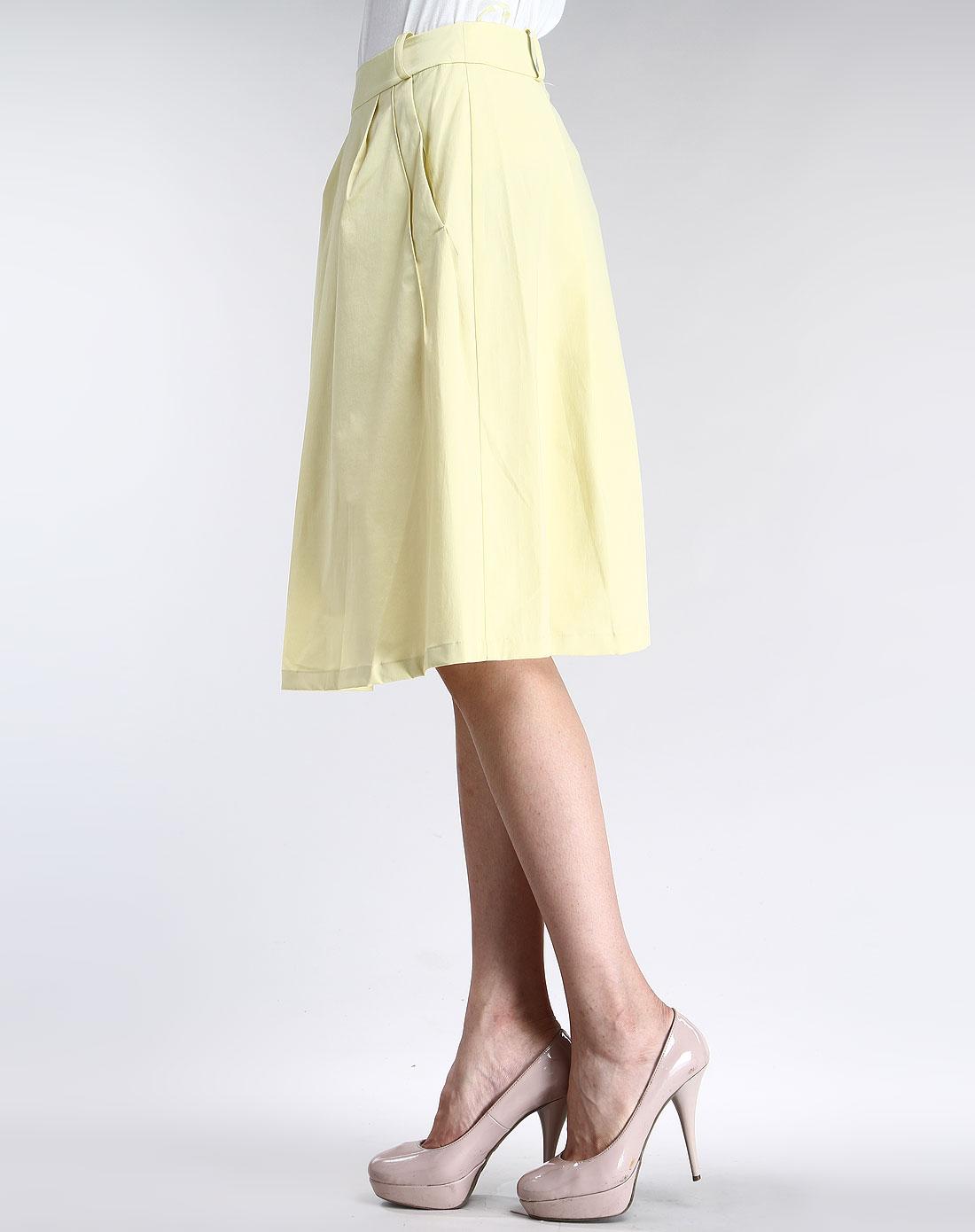 黄色休闲半身裙