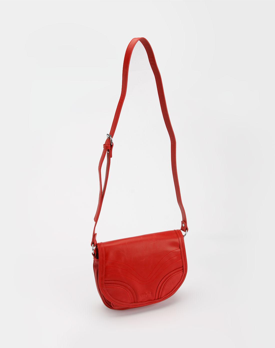 红色pu斜挎包