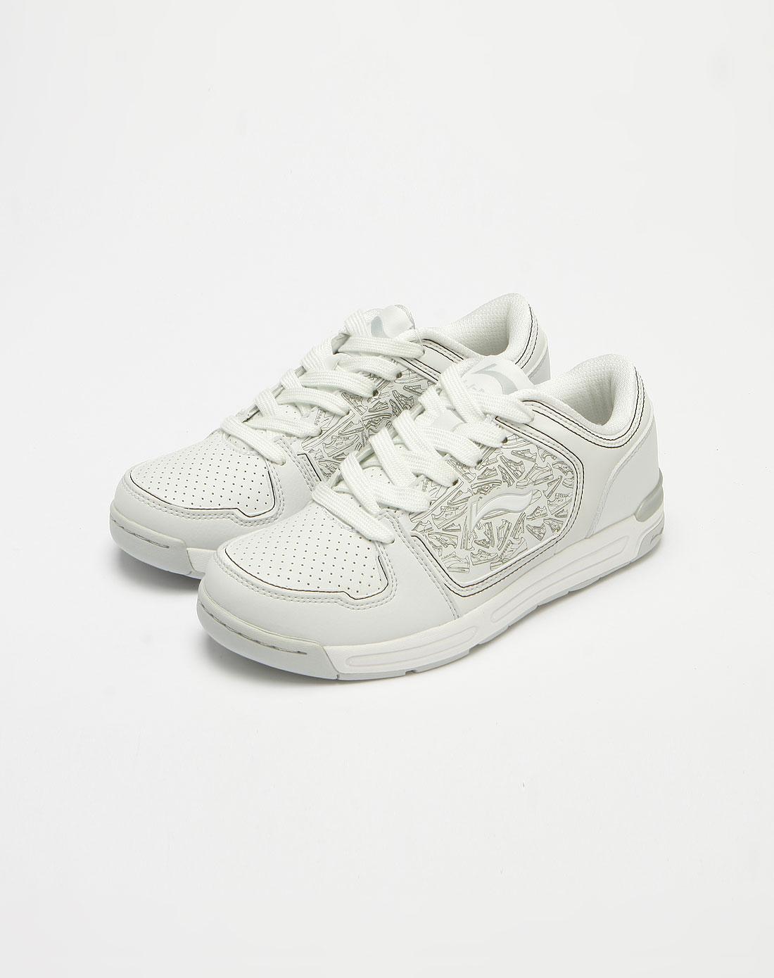 米白色鞋印花系带休闲鞋
