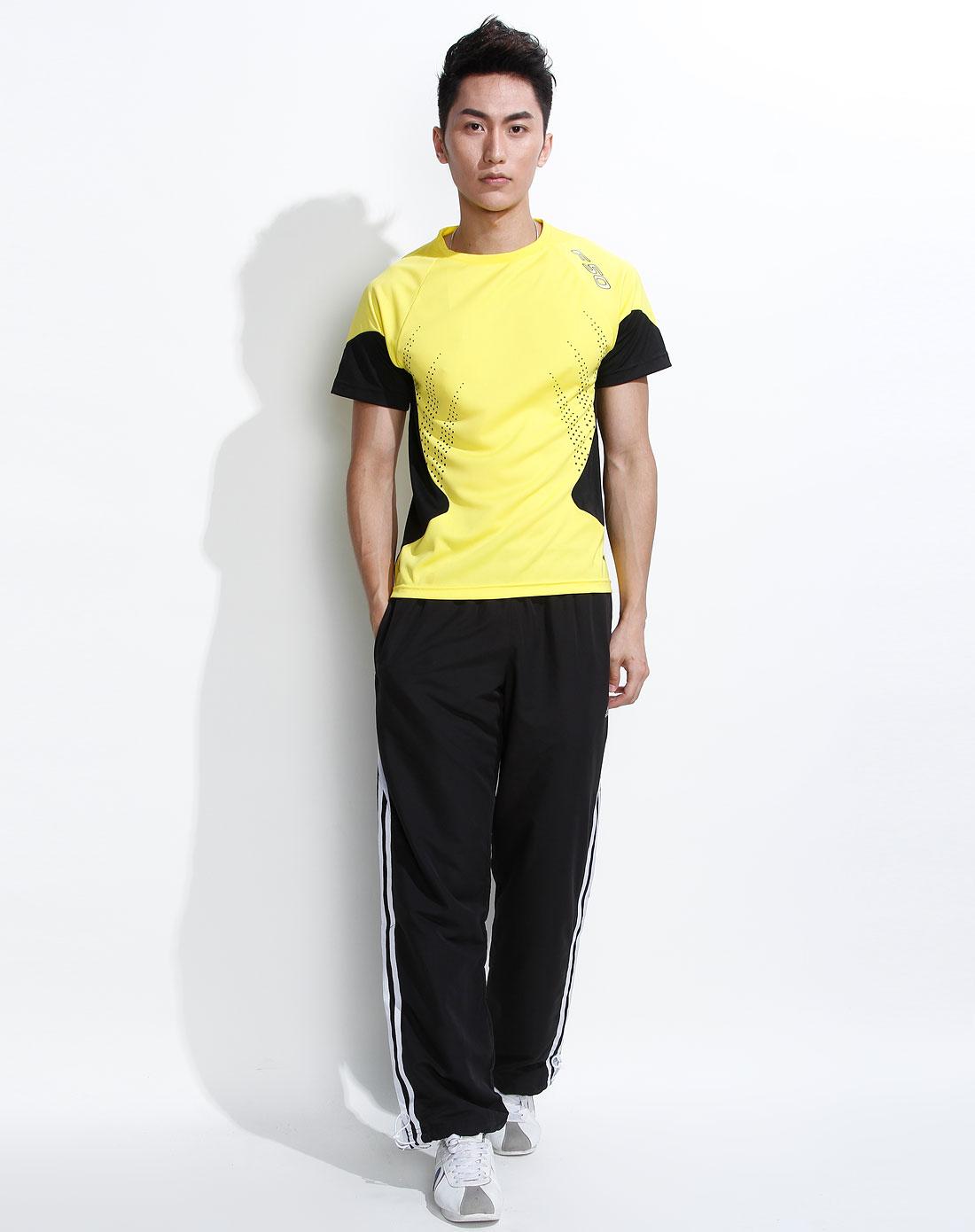 > 男款黄色运动短袖比赛服