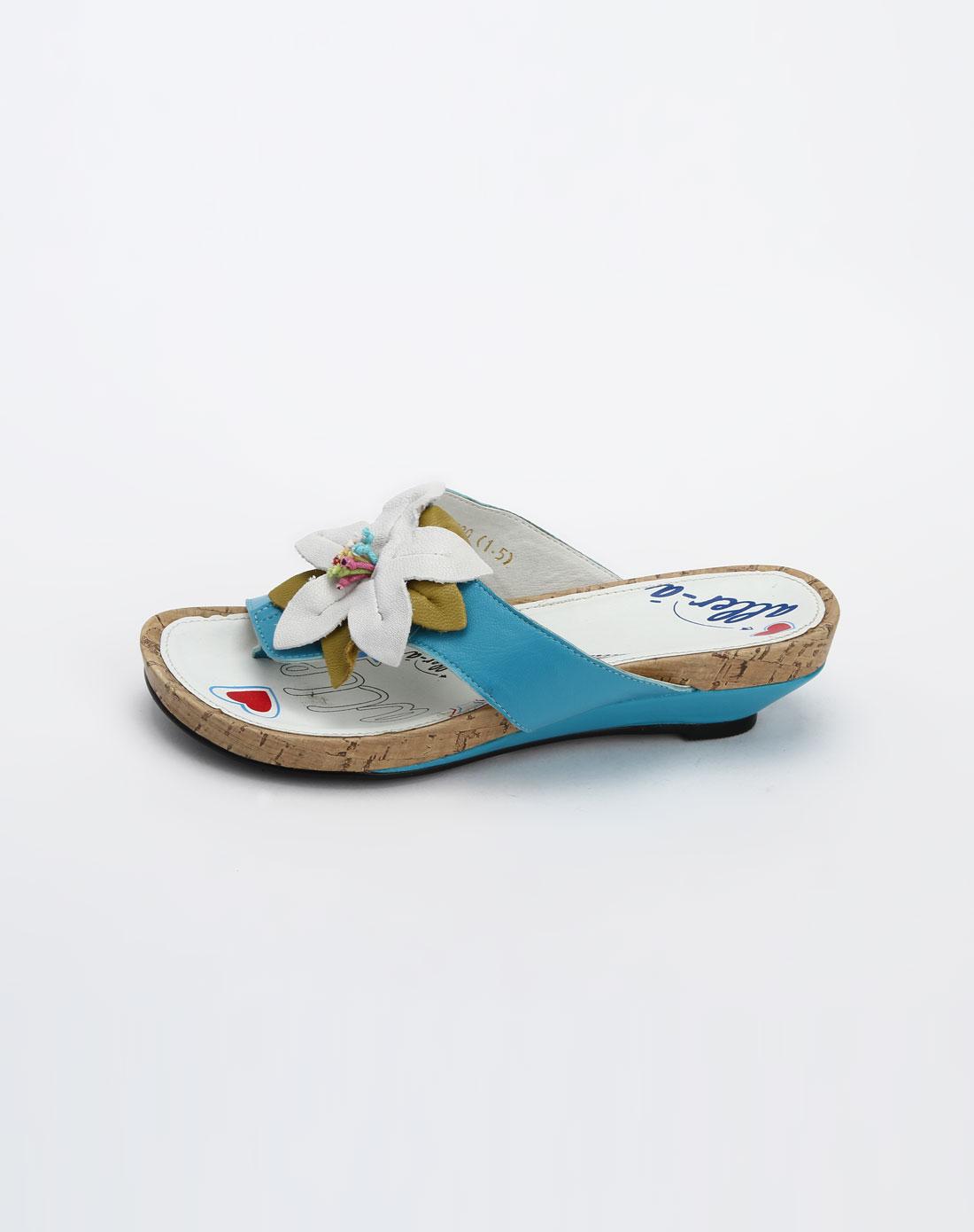 粉蓝色贴花休闲凉拖鞋