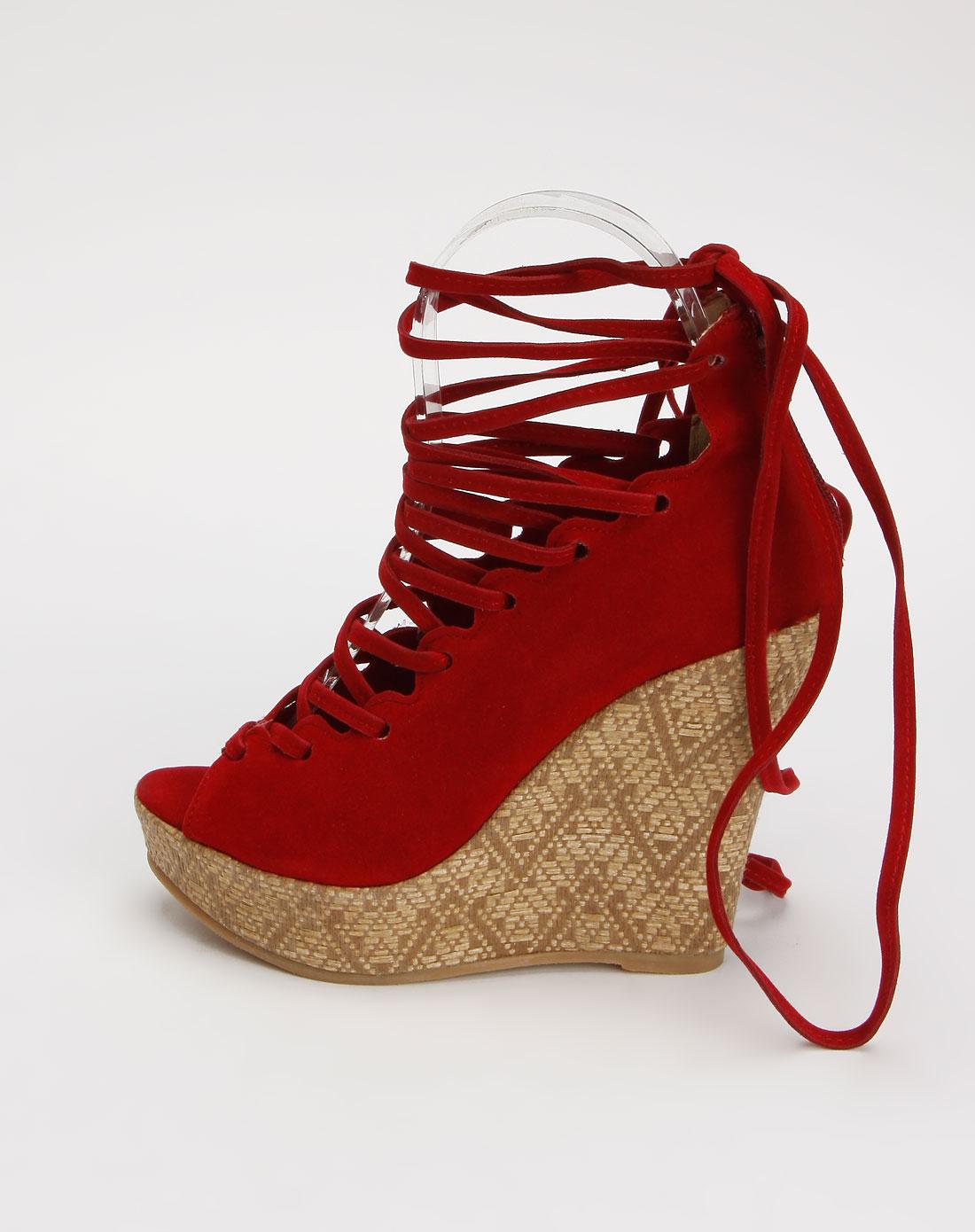 酒红色系带时尚坡跟凉鞋
