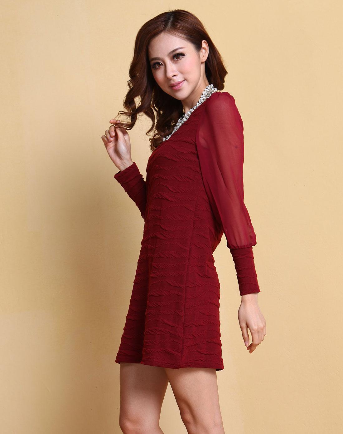 酒红色时尚连衣裙