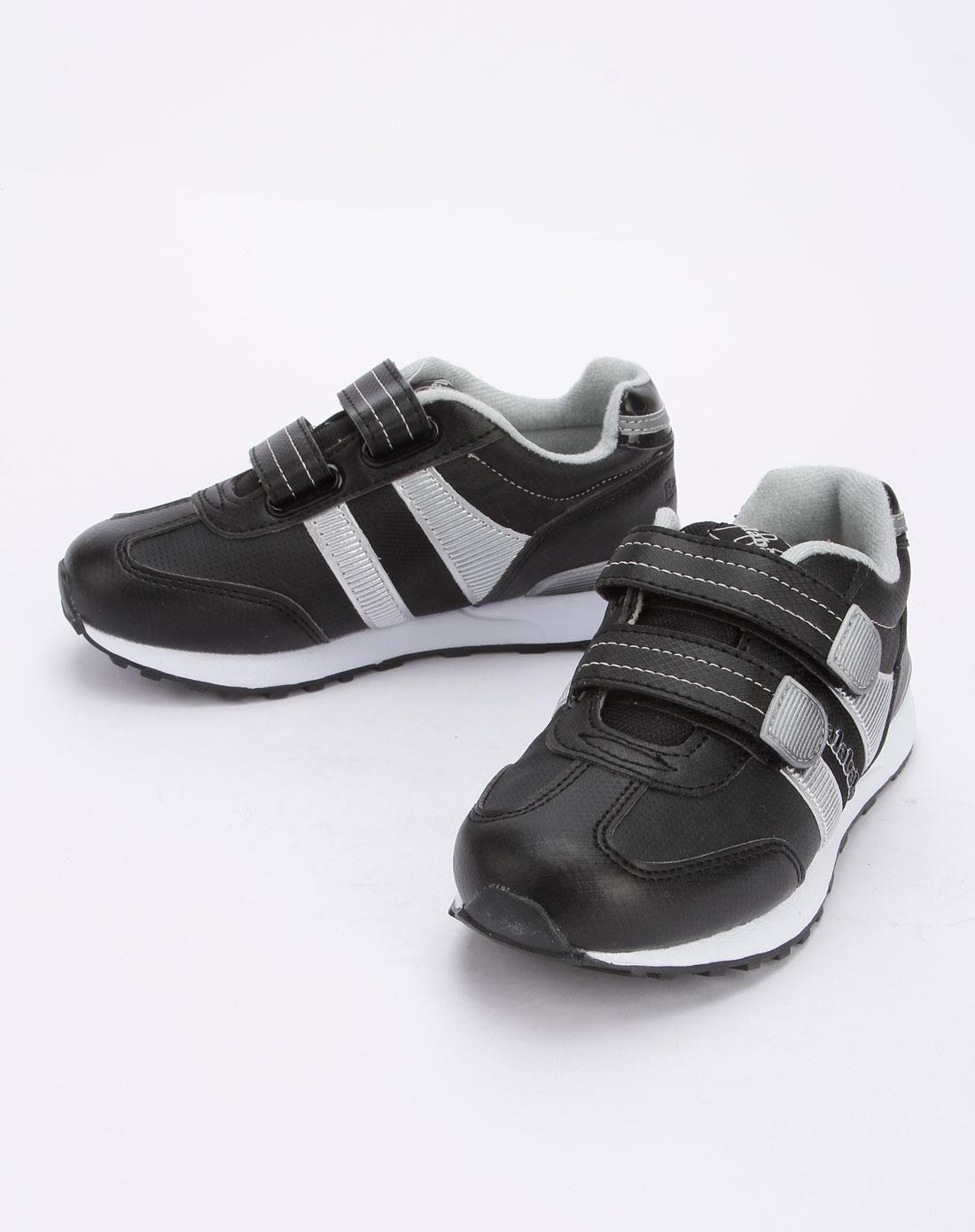 专场黑色休闲运动鞋