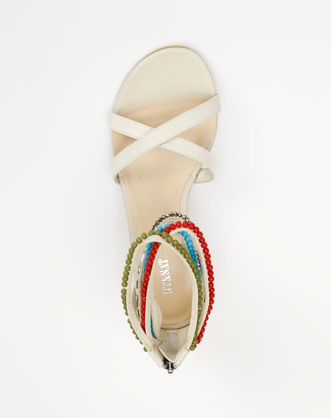 女款米白色牛皮凉鞋