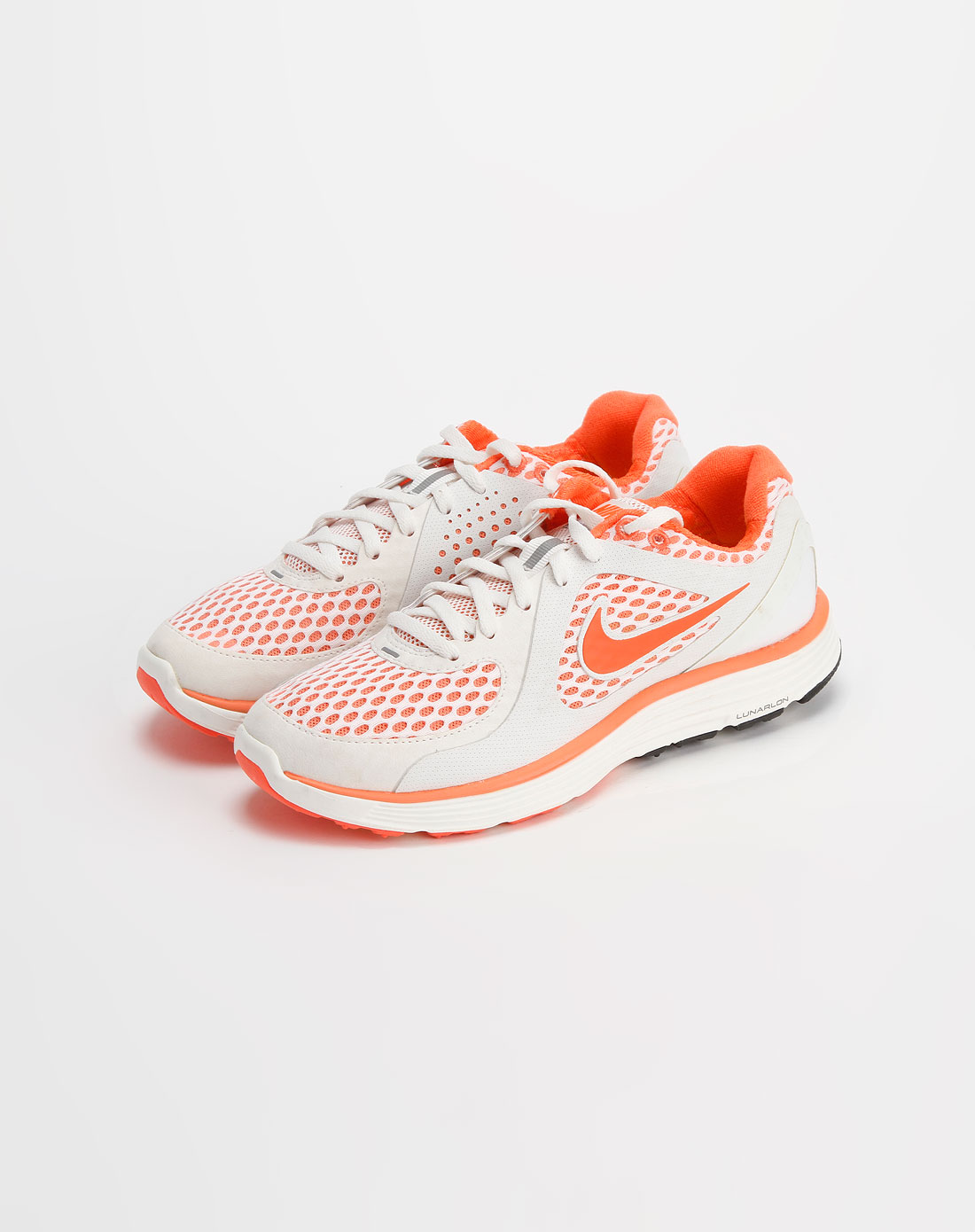 白/橙色镂空运动鞋_耐克nike-女装专场特价2.5-4