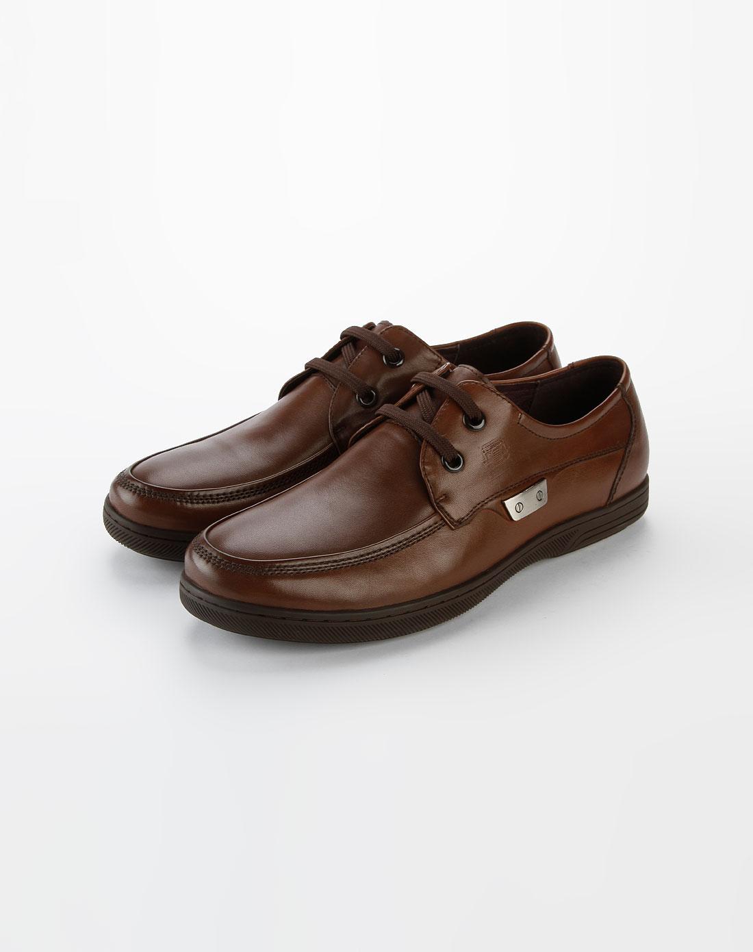 男款棕色休闲皮鞋
