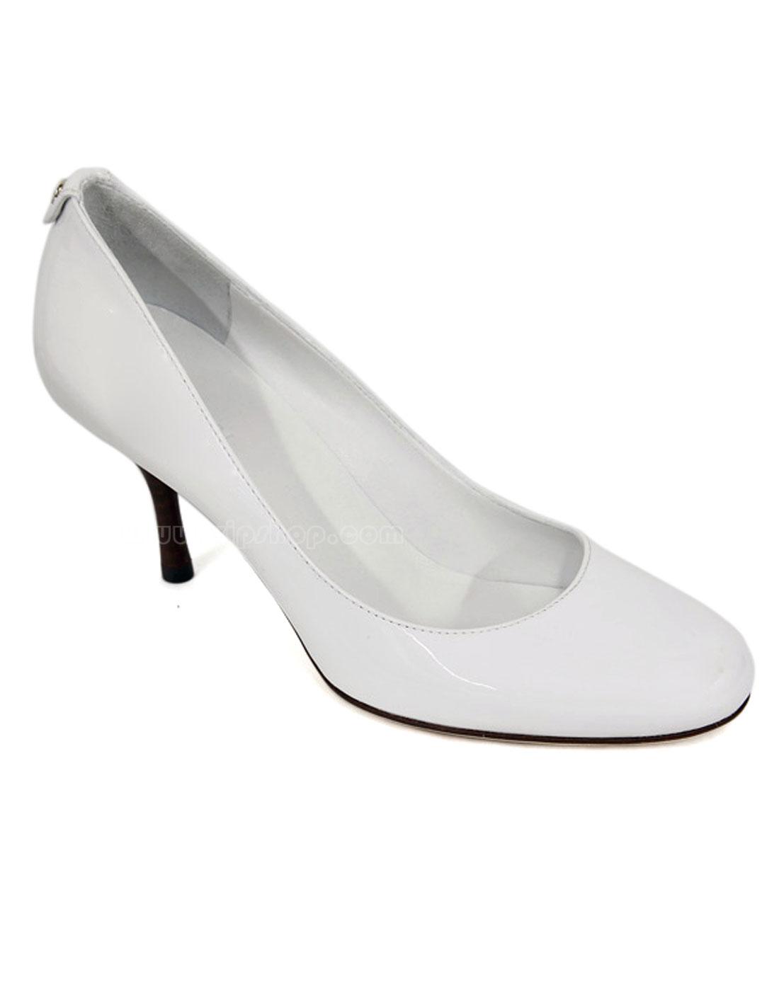 女士白色漆皮鞋