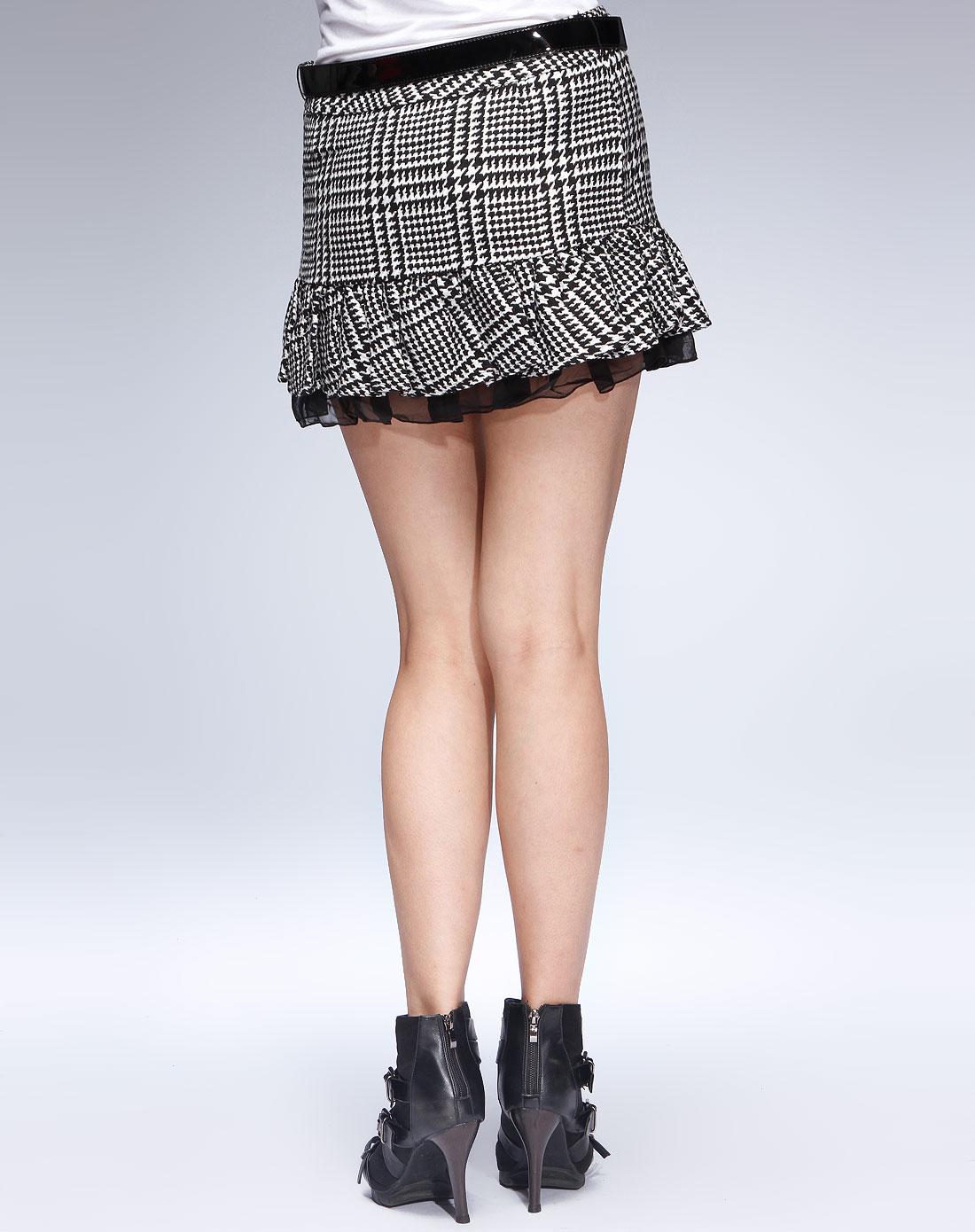 黑/白色时尚皱褶短裙